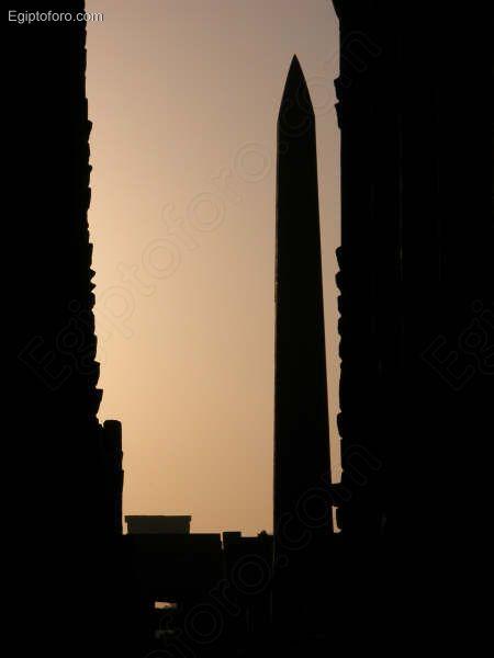 Amanecer_en_el_templo_de_Karnak