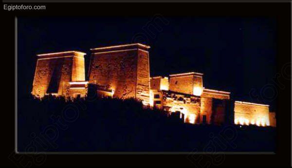 Vista_nocturna_del_templo_de_Fil_
