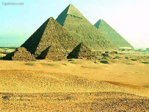 Vista_panor_mica_de_las_pir_mides_de_Giza