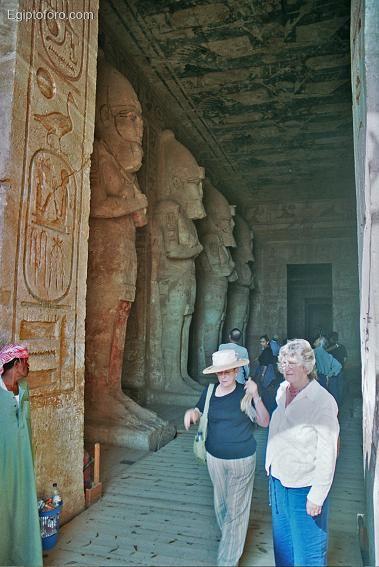 abu_simbel_templo