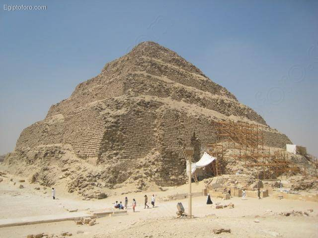 Piramide_de_Zoser1