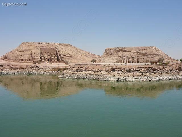 Abu_Simbel1