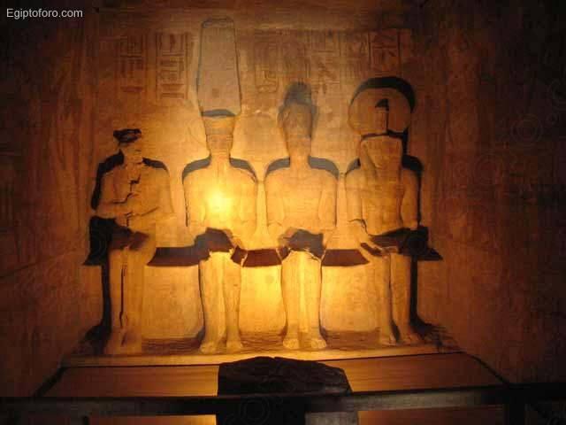 Dioses_del_templo_de_Abu_Simbel