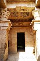 Deir_el_Medina-Templo_Hathor.JPG