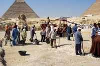 Giza-excavaci_n_arqueologica.JPG