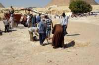 Giza-excavaci_n_arqueologica_2_.JPG