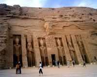 29_Abu_Simbel_Templo_de_Nefertary.jpg